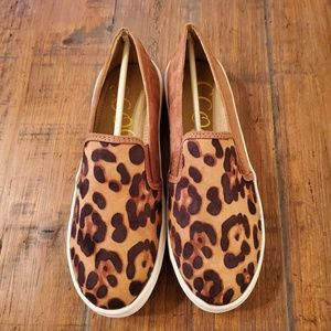 NIB leopard shoes